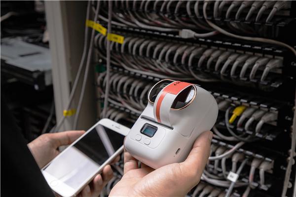 M110智能标签打印机打印线缆标签